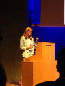 La Dra. Pazos durante su discurso.