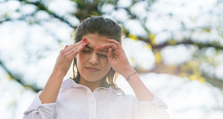 Headache caused by disease and allergy to tree pollen